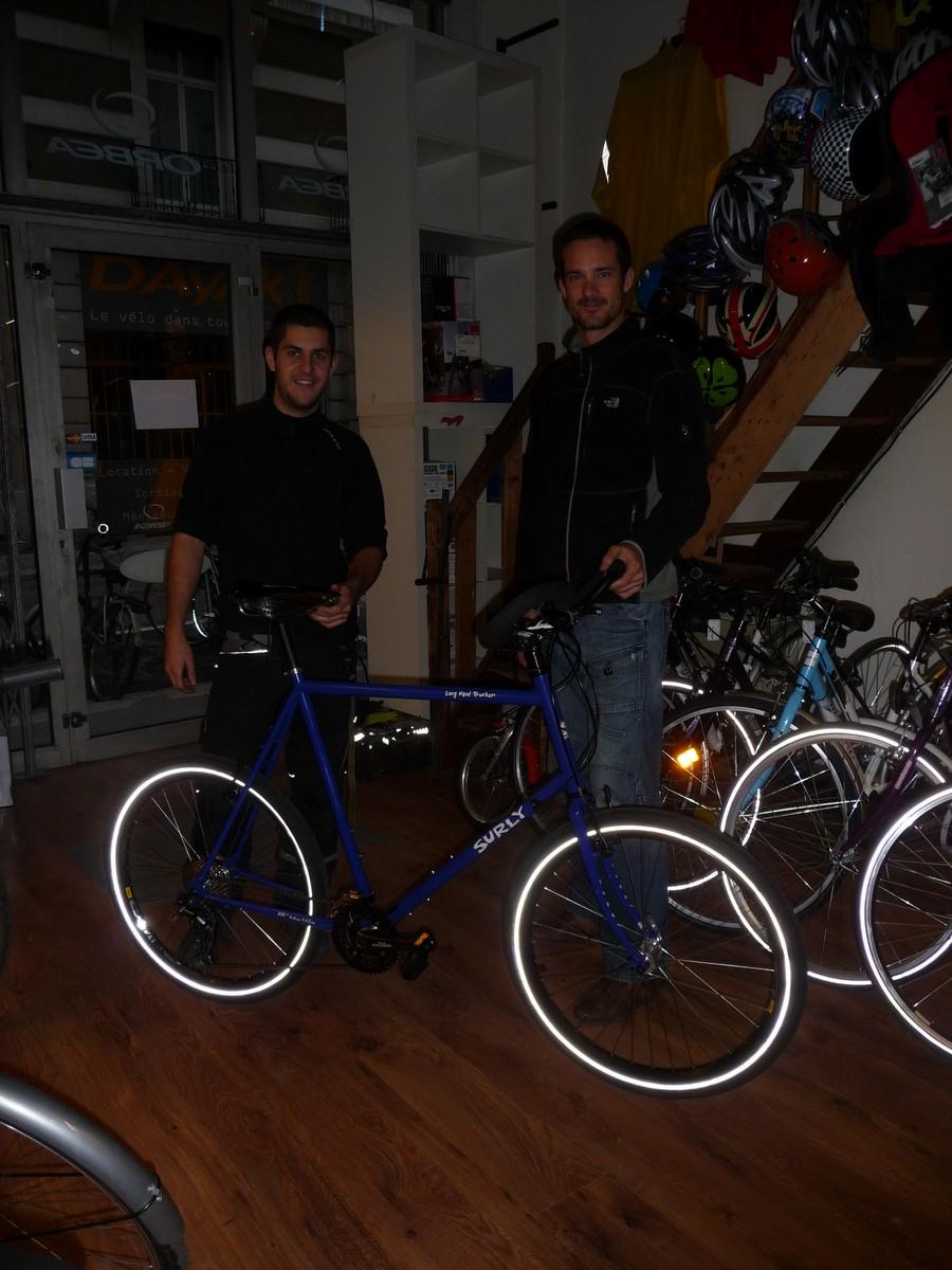 un grand merci à Felix de Dayak Vélo