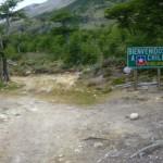 78 Apres 8 km ( 5 heures, mais jusqu a 7 heures pour d autres amis cyclos) de ce sentier argentin pourri, quel bonheur de rentrer au Chili et de trouver une piste a Jeep