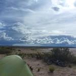 il est pas beau ce bivouac ,un peu moins le landemain après toute une nuit d'orage quand la tente baigne dans l'eau
