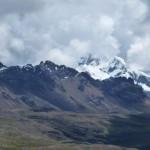 66- J22- Depuis la piste haut perchee, la Cordillere Blanche devoile le Huantsan