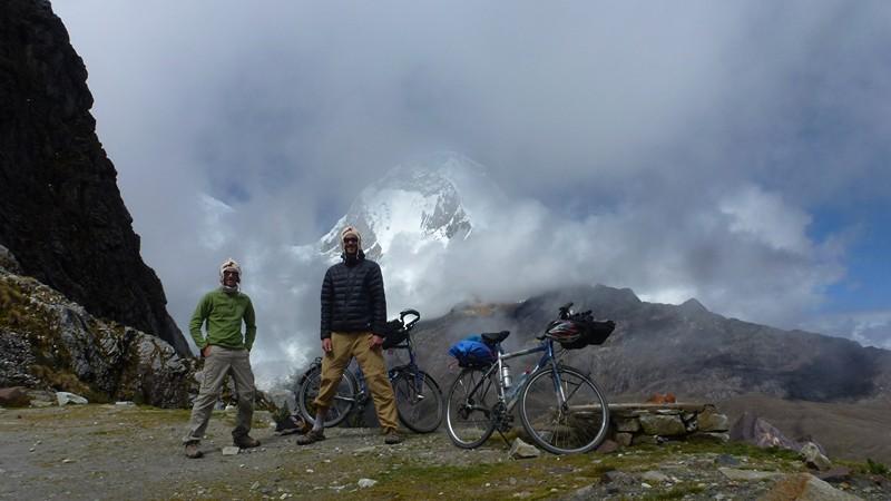 devant le Huascaran, sommet du Pérou